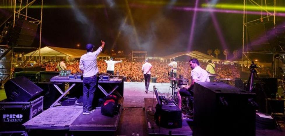 El alcalde de Adra destaca el éxito del festival The Juerga's Rock' y su impacto económico