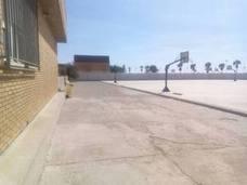 Recogen firmas para exigir zonas de sombra en el colegio público Mare Nostrum de Adra