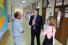 Torres supervisa el estado de los colegios en el inicio del curso escolar