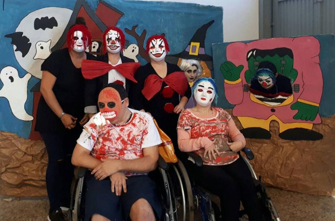 Halloween, el disfraz de la solidaridad en Adra