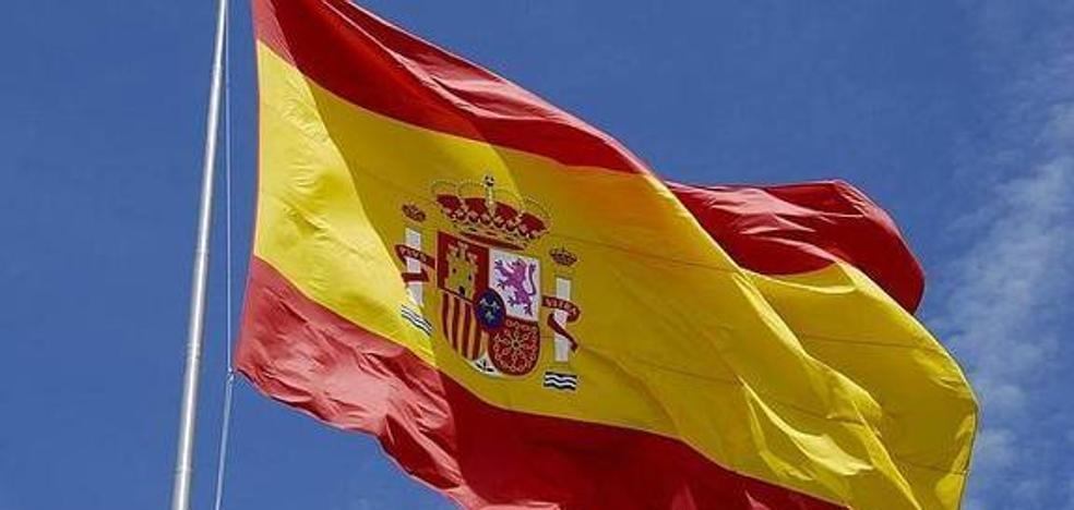 La bandera de España ondeará en uno de los accesos a Berja