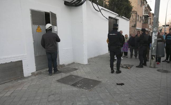 La Policía Local 'echa un cable' a Endesa para acabar con los cortes de luz en Berja