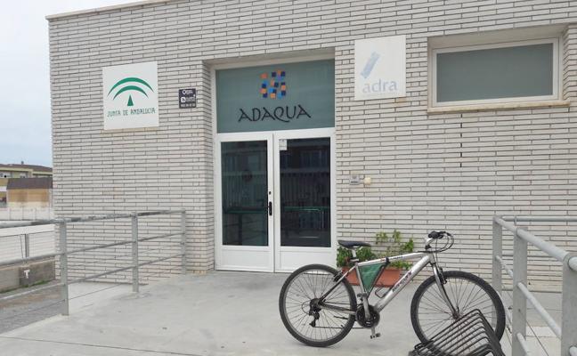 La Piscina Municipal Cubierta se queda 'desierta'
