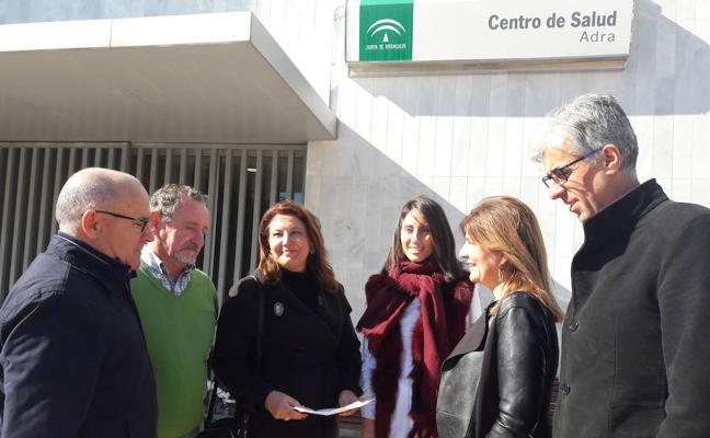 El PP denuncia en Adra la falta de personal que sufren los centros de salud de Andalucía