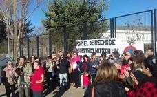 Continúan las protestas en el colegio San Tesifón de Berja