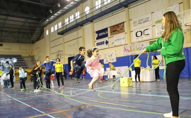 Una feria para toda la familia en el Pabellón de Deportes de Adra