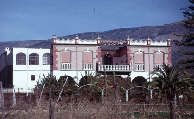 El PSOE de Berja, preocupado por el futuro de los cortijos