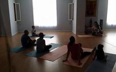 Yoga en Adra para celebrar el Día Mundial de la Salud