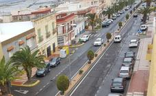 Adra anuncia la renovación integral del firme en el bulevar de Puente del Río