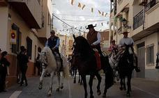 Los caballos recorren la estación de San Marcos