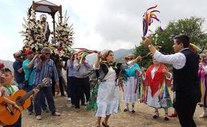 Mudanzas, trovos y robaos en las fiestas de Barranco Almerín