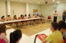 La concejala de Educación y Participación clausura una nueva edición del Taller Conversacional de Inglés en Casa Pineda