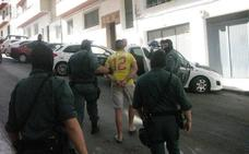 Dos detenidos acusados del robo con violencia de 6.000 euros en una gasolinera de Castillo de Locubín