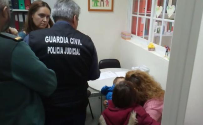 A la cárcel el padre que se llevó a sus hijos de Alcalá la Real a Portugal