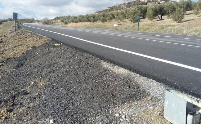 La Junta finaliza la mejora del firme en la A-403, entre Benalúa de las Villas y Alcalá la Real