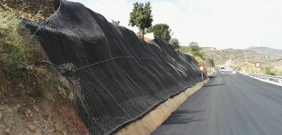 La Junta abre al tráfico el puente situado en la A-1100, en Albanchez