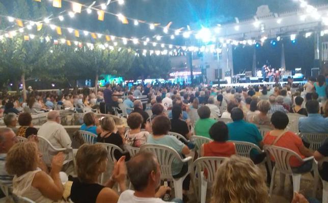 Serón inicia fiestas patronales con tributo a The Beatles y Joaquín Sabina