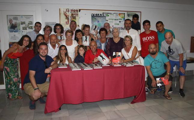 Serón acogió la presentación de 'Capitán Pasión, un libro para los refugiados de Grecia