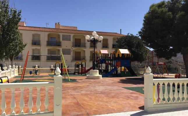 Cantoria pone en servicio la zona de juegos del Parque de Andalucía