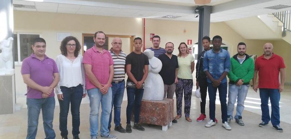 Arranca el curso de operaciones auxiliares en plantas de elaboración de piedra natural en la Escuela del Mármol de Fines