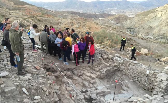 El Ayuntamiento de Macael realiza una excavación arqueológica en el antiguo 'Pueblo de los Canteros'