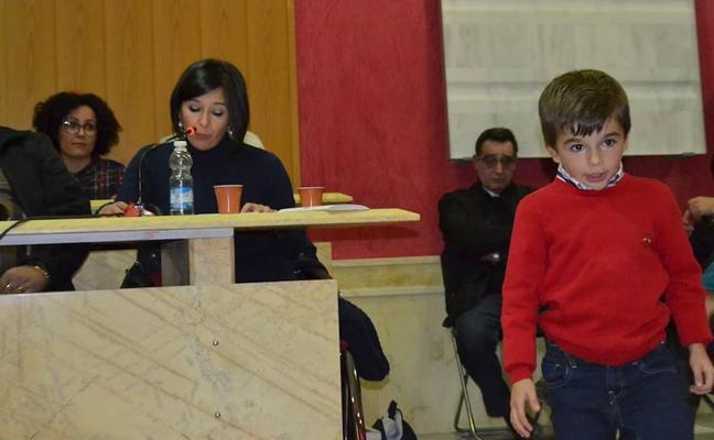 Macael acogió la presentación del libro 'José Diego en un día feliz'