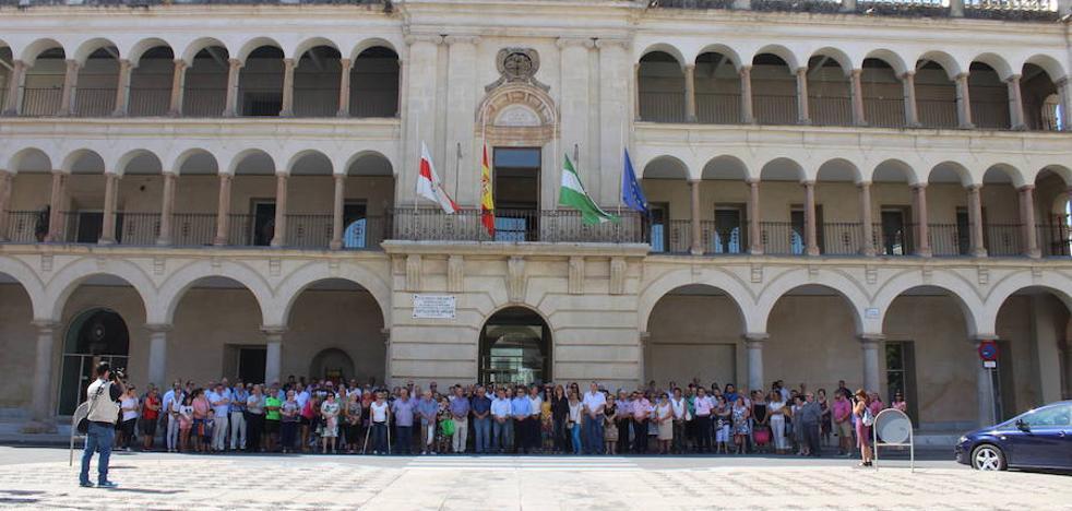 Concentración de 5 minutos, en la puerta del Ayuntamiento, por los terribles atentados de Barcelona