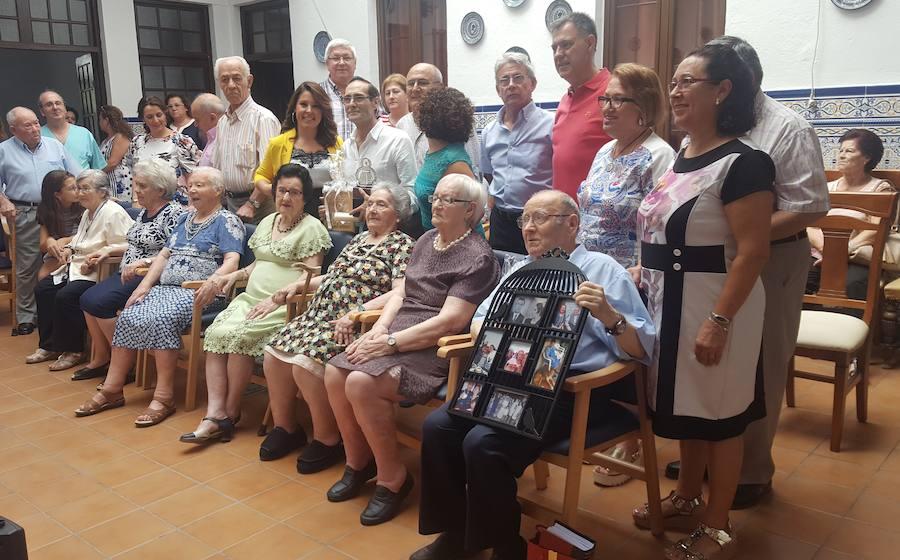 La Casa-Hogar de Cáritas reconoce a dos de sus residentes ejemplares