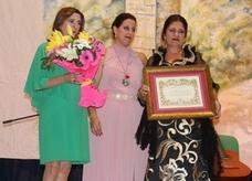 Mercedes Fernández Arco derrama un entrañable y emotivo pregón en la Semana Grande del Madroño