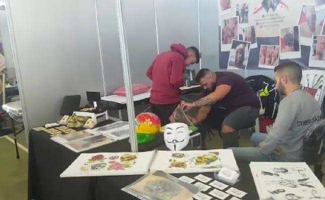 Un centenar de profesionales del tatuaje y del grafitti se dan cita en AndUrban Fest