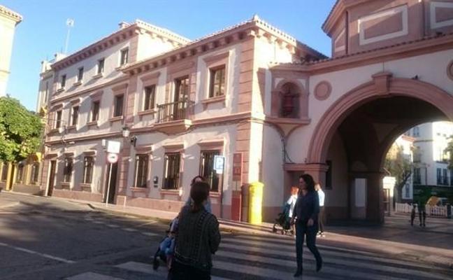 Andújar vuelve a contar con su antigua oficina de Correos tras invertir 700.000 euros en su remodelación