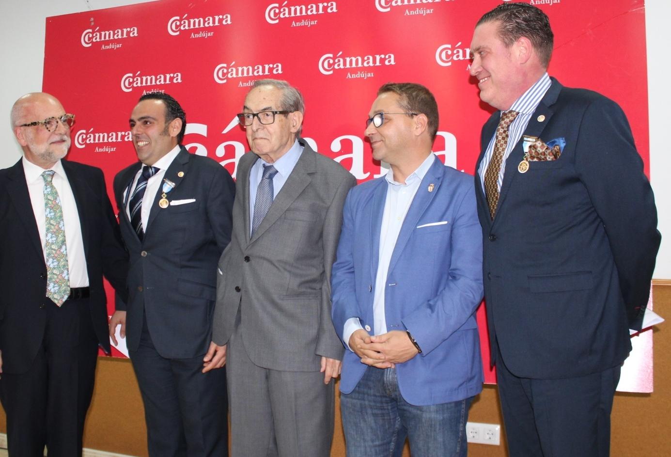 Los impulsores de Andújar Flamenca reciben las medalla de Oro de la Cámara de Comercio