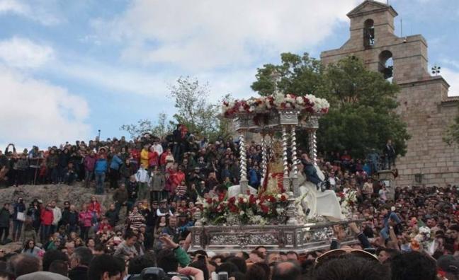 El obispo convoca elecciones en la Cofradía matriz de la Virgen de la Cabeza, de Andújar
