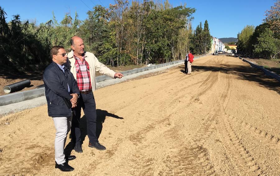 El Ayuntamiento de Andújar adecenta polígonos industriales con los planes de Diputación