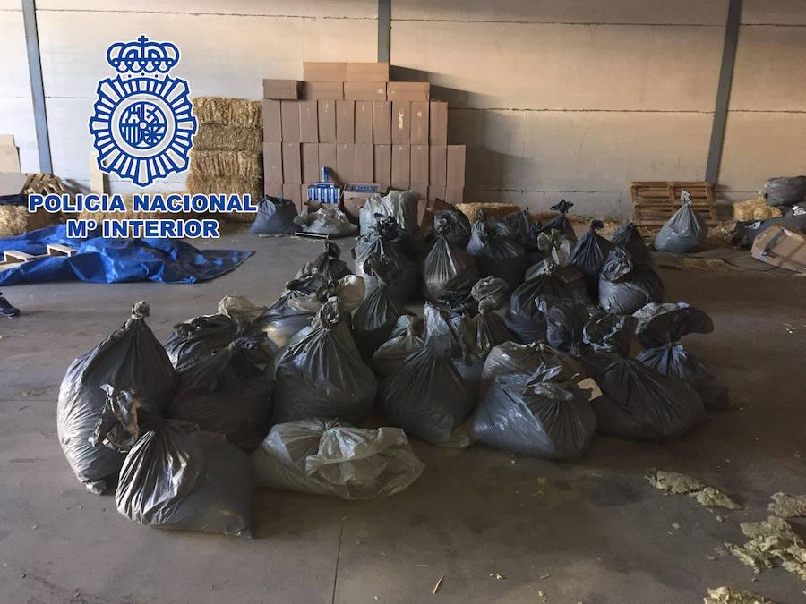 La Policía Nacional interviene en Andújar 20.160 cajetillas de tabaco y 1.227 kilogramos de picadura ilegal