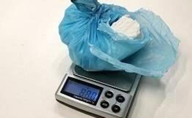 Detenido un vecino de Andújar sorprendido con 88 gramos de cocaína en su mochila