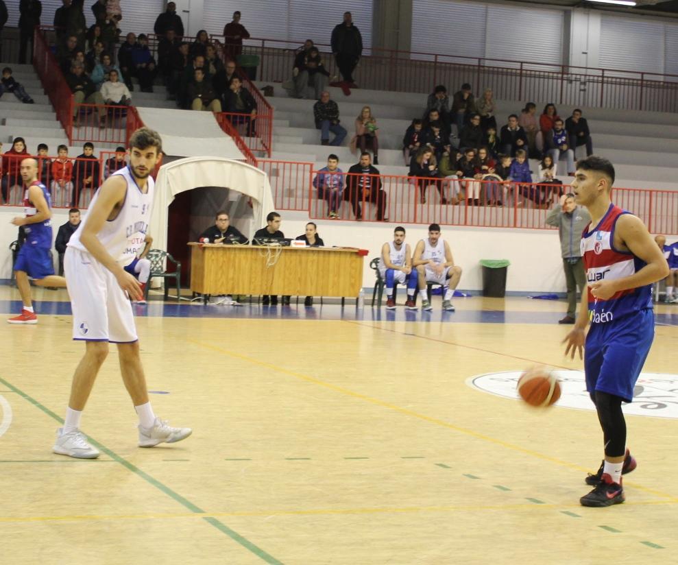 El Club Baloncesto Andújar pierde en un final de infarto ante el CB Marbella, 73-77