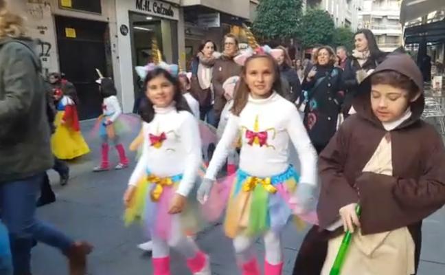 El frío no resta animación al Carnaval infantil en Andújar