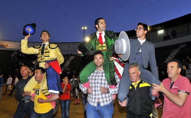 Triunfal corrida con indulto en Andújar