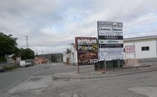 Empresarios y usuarios del Polígono La Estación se quejan por la falta de servicios