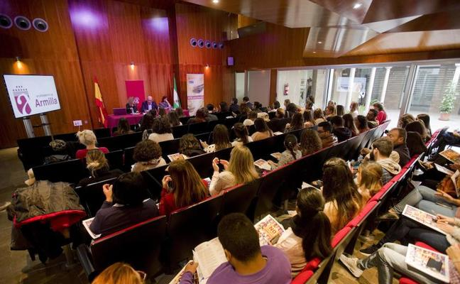 Más de 100 profesionales asisten a las XIV Jornadas de formación sobre violencia de género