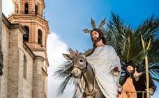 Una fotografía la Borriquilla cartel de la Semana Santa de Baza en 2018