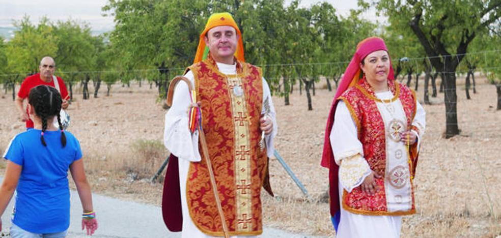 El santón de Baza realiza su romería en la que participan muchos adeptos llegados de fuera