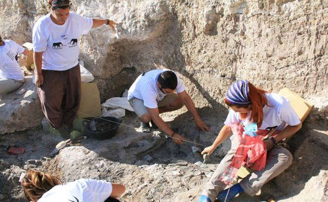 En marcha las excavaciones en el yacimiento Baza 1 datado entre 4 y 4,5 millones de años de antigüedad