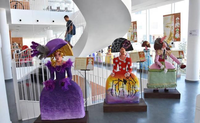 La exposición 'Menineando con Gloria' llega a la biblioteca de Baza