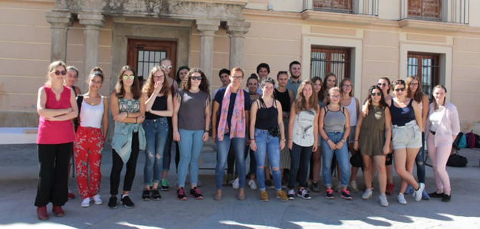 Estudiantes del Lycée Jean Rostand de Caen visitan Benamaurel