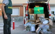 Un vecino de Caniles, detenido conduciendo un camión con cerca de 200 kilos de marihuana en la A-7 en Murcia