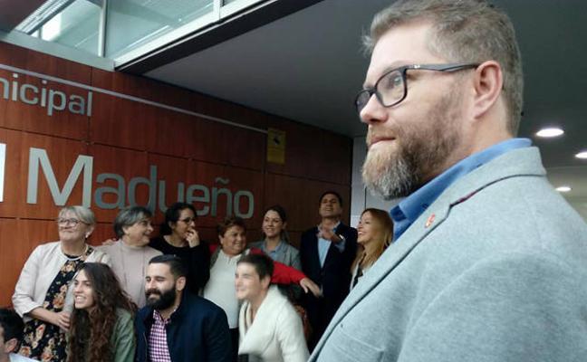 IU, satisfecha por el nombramiento de la Biblioteca Municipal José Becerril