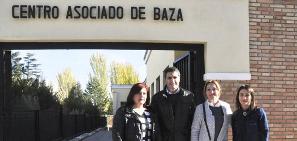 El PSOE pide al Gobierno de Rajoy que negocie la gratuidad de las matrículas de la UNED