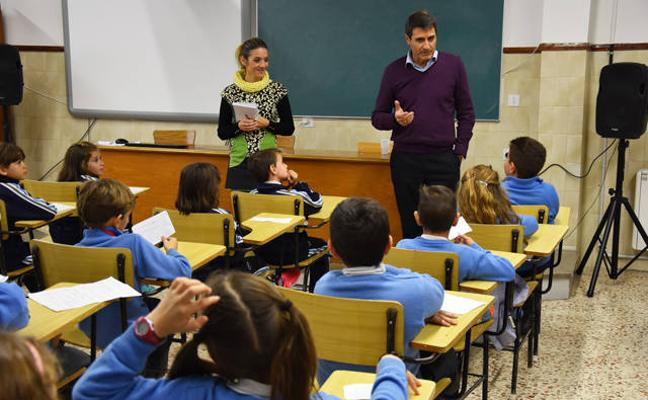 Los alumnos de los colegios de Baza le proponen al alcalde cómo mejorar la ciudad